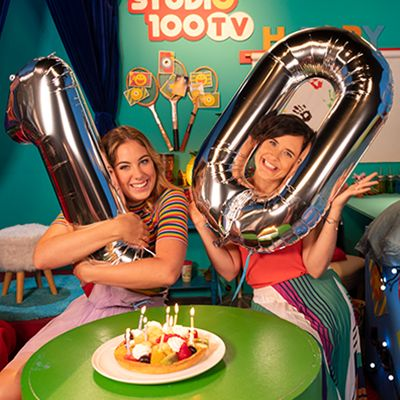 Studio 100 TV blaast 10 kaarsjes uit!
