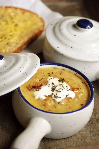 Zoete ui en brood soep