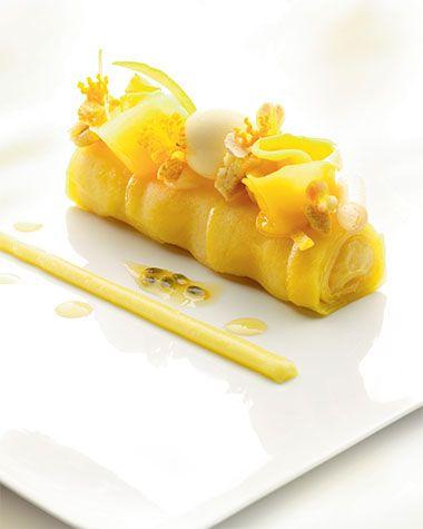 Sushi en ravioli van mango en passievrucht