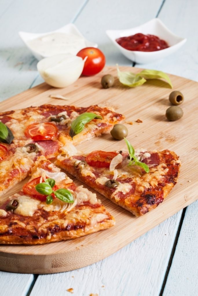 Pizza met chorizo en paprika