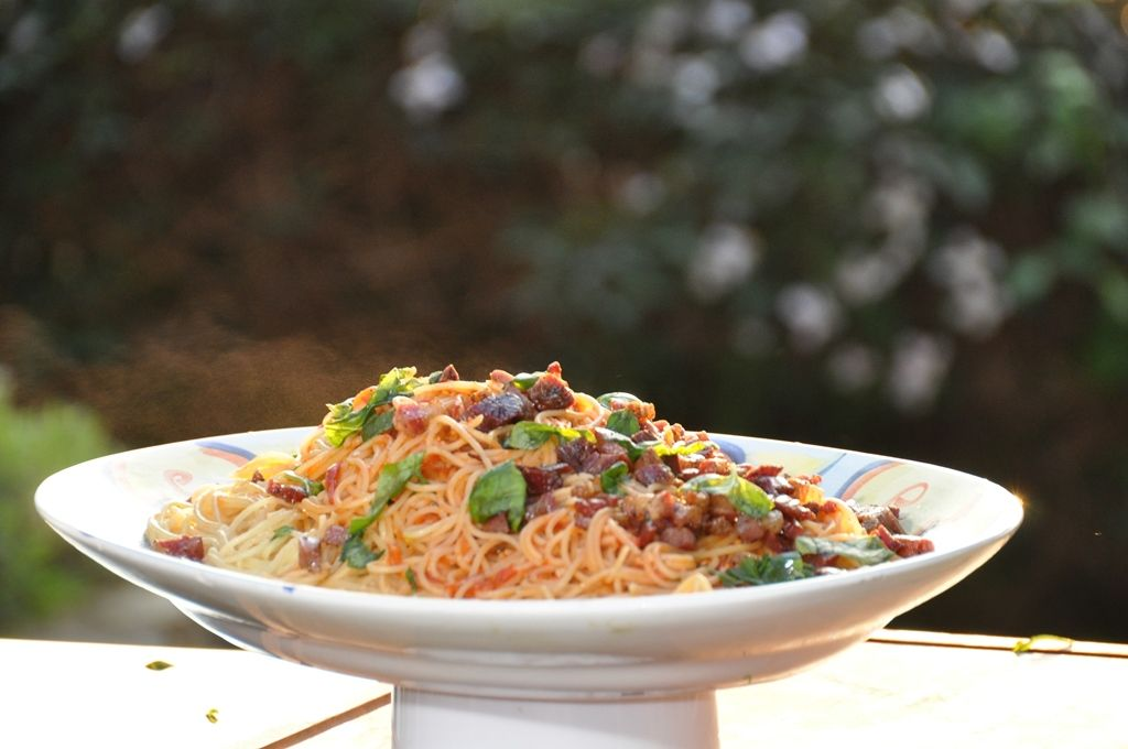 Spaghettini met peperoncini en guanciale