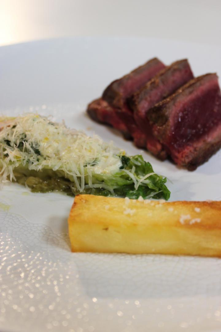 Steak met chimichurri en krokante aardappelen