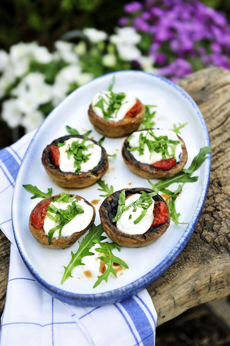 Gevulde champignons met gekonfijte tomaatjes en mozzarella