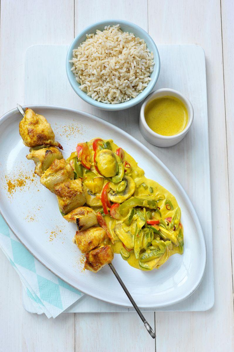 Kalkoenbrochettes met rijst en zachte curry