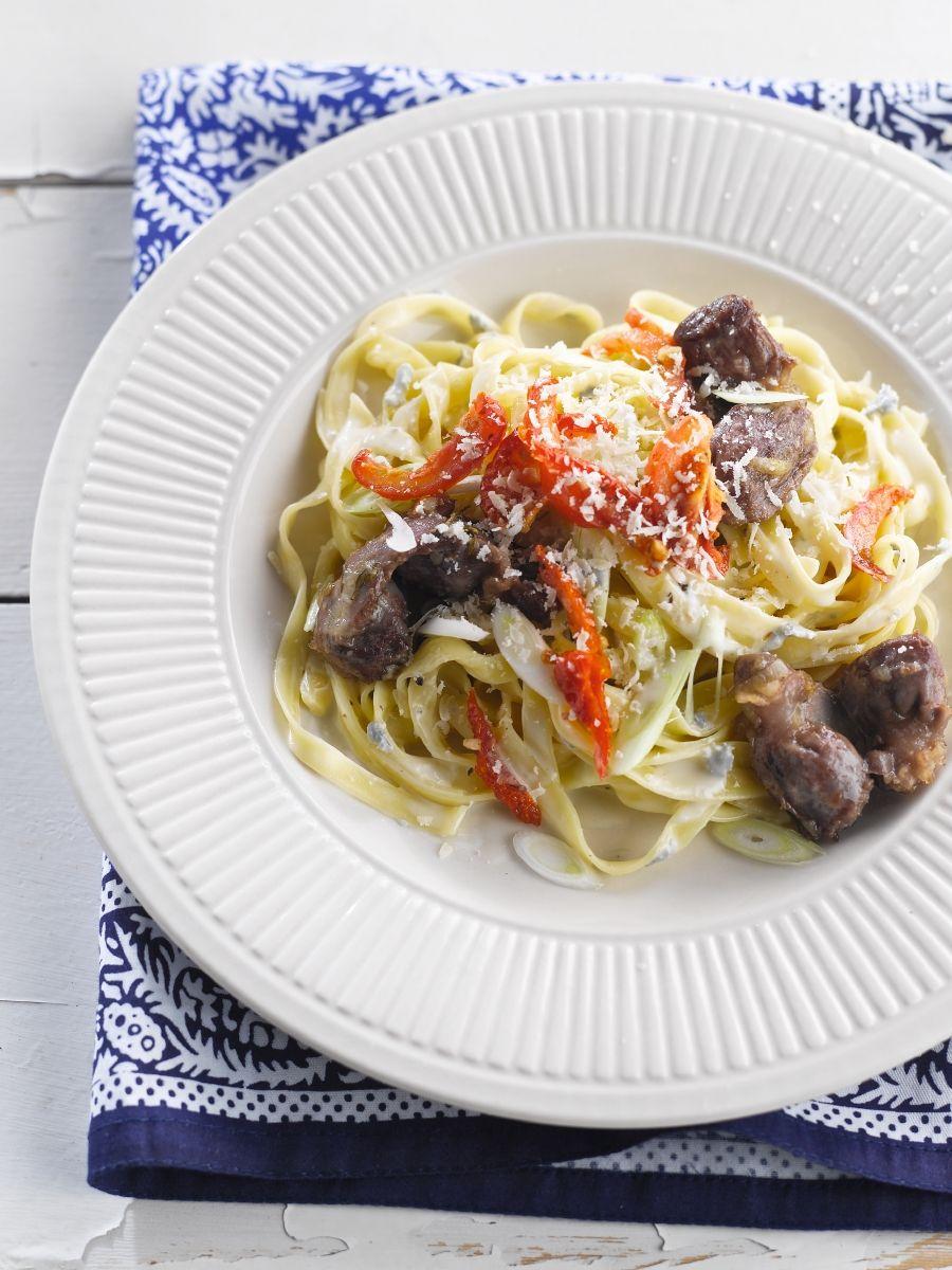 Tagliatelle met gorgonzola en kippenmaagjes