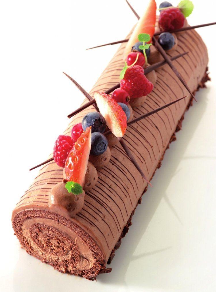 Rolbiscuit met chocolademousse