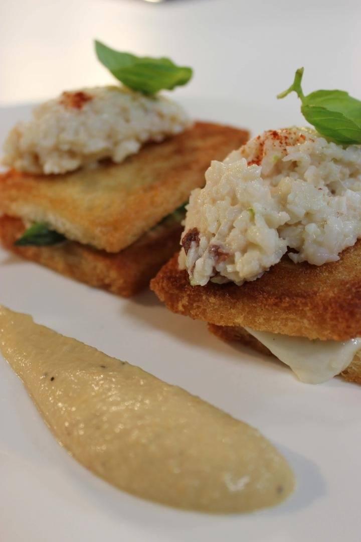 Croque met groene asperges en truffel
