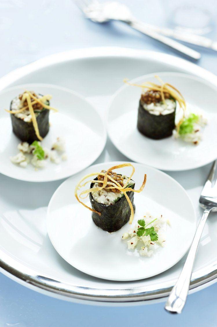 Sushi van wortelpeterselie met geitenkaas