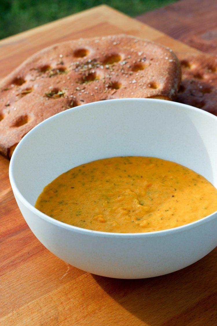 Dip van butternut en salie met krokant brood