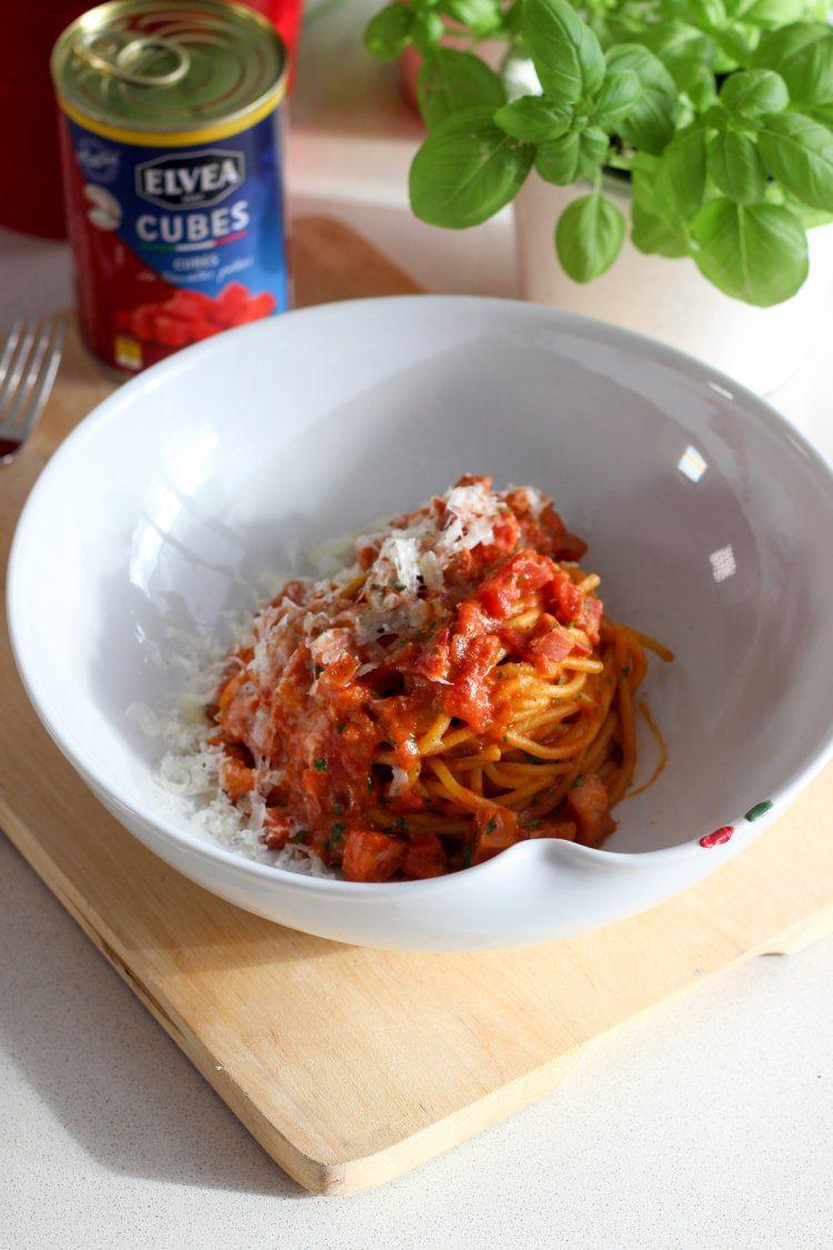 Rode pasta carbonara