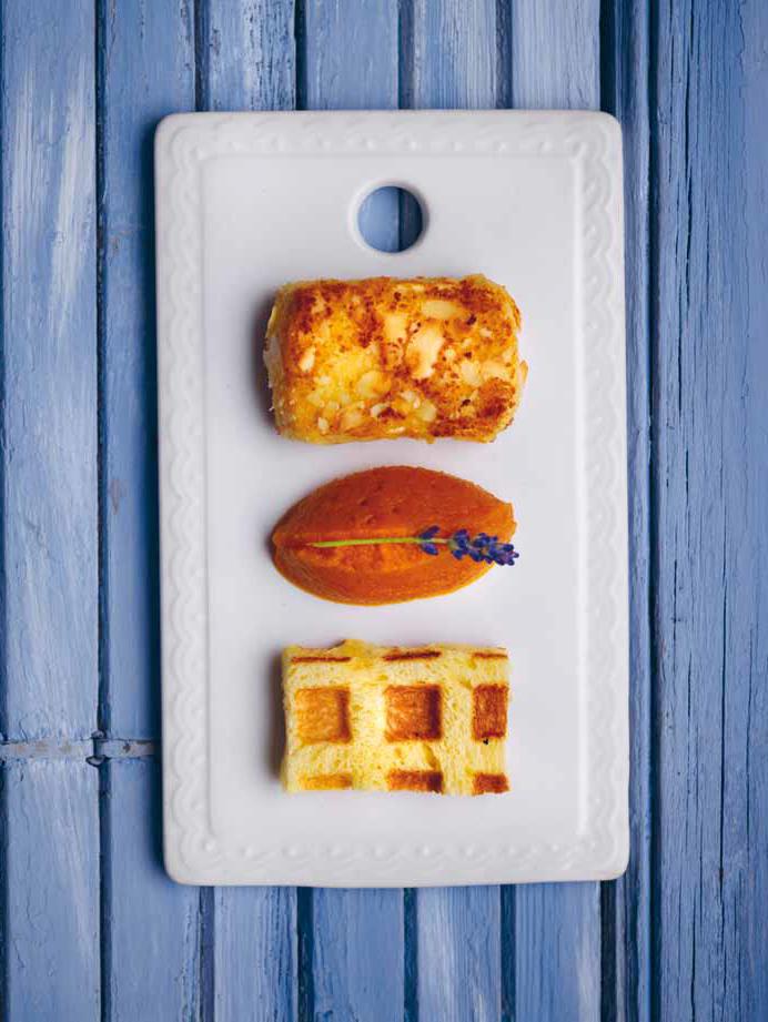 Kroket van brie, confituur van wortel en sinaasappel, wafel van briochebrood