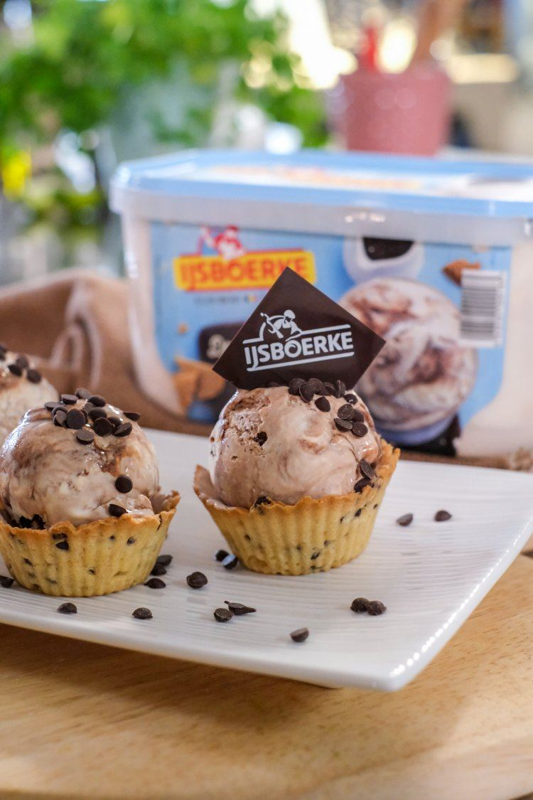 Chocolate chip cookie cups met ijs