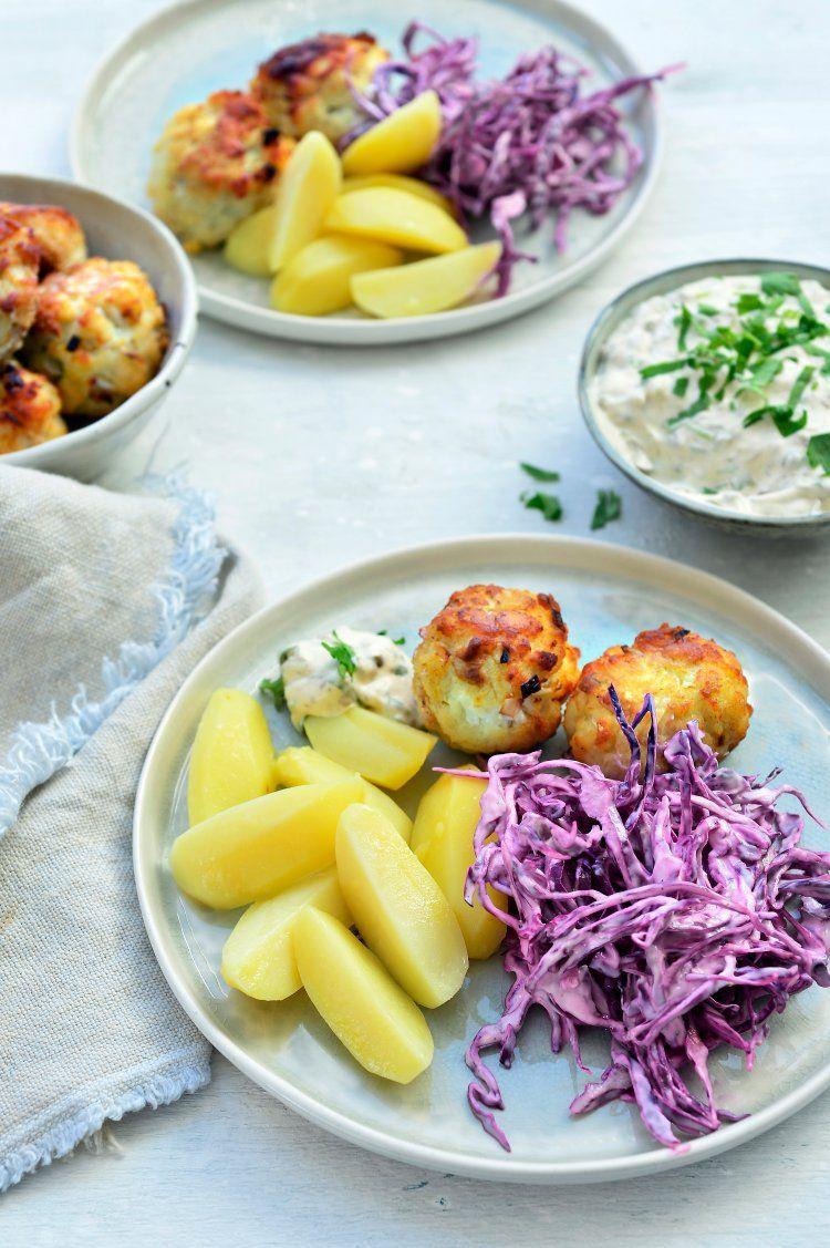 Visballetjes met rodekool en aardappelen